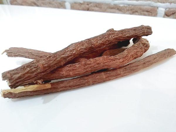 甘草の根の画像
